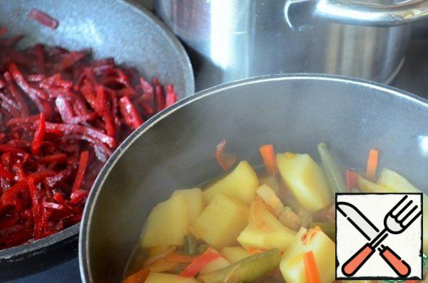 That's how I cook borscht, in parallel, on three burners.