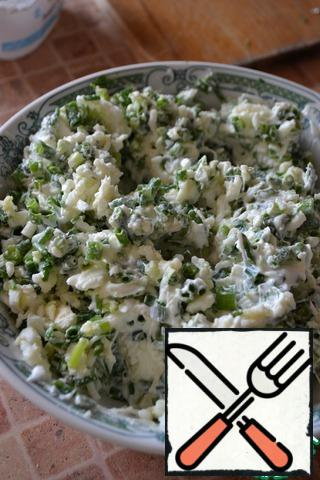 Mix the soft cottage cheese.