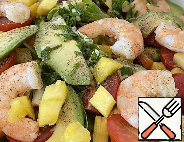 Salad with Avocado and Shrimp Recipe