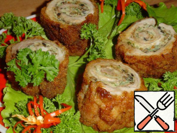 """We remove the skewers, cut the roll into """"stumps""""."""