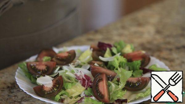 Spread on salad leaves