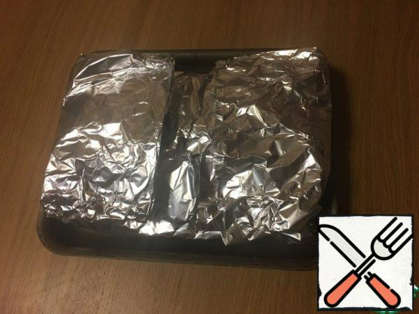 Close the foil, but do not wrap it too much. Put in an oven heated to 180-200 degrees
