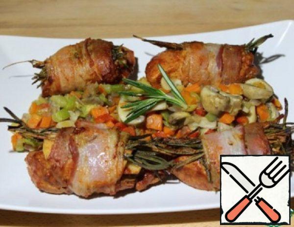 Turkey in Bacon with Mushrooms Recipe