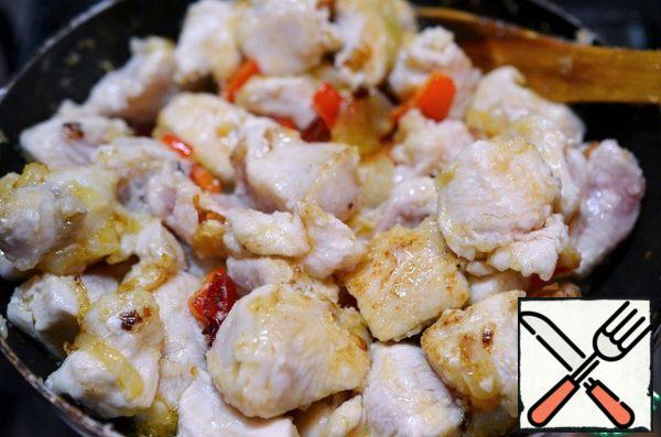 Add to the pan. Fry everything for 1-2 minutes, then add water and put out everything.