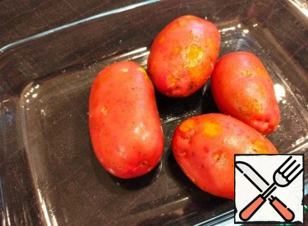 Wash potatoes are clean, we use only fresh potatoes with a young peel.