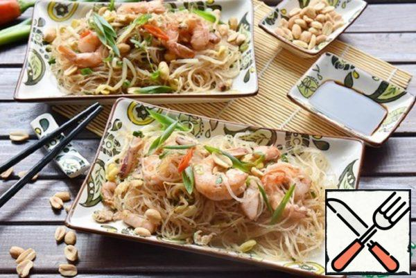 Thai Fried Noodles with Seafood Recipe