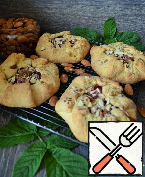 Mini Biscuits with Raspberries and Almonds Recipe