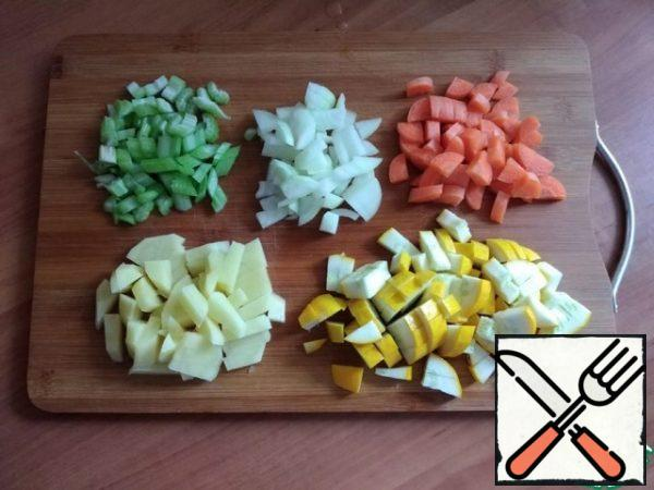 Cut the vegetables. I'll cut the vegetables into a small cube. I will not puree the soup.
