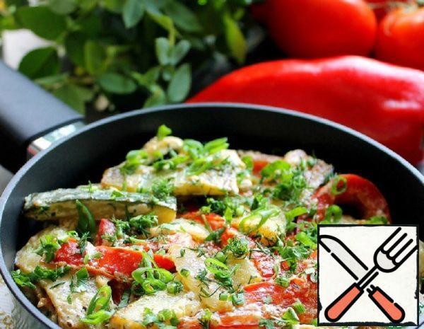 Zucchini with Pepper in Sour Cream Recipe