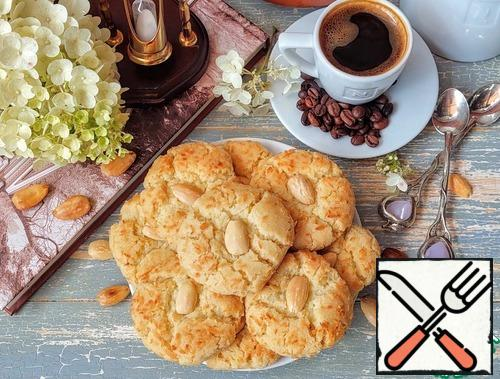 """The tradition of baking """"småkakor"""" - small cookies-appeared in Sweden back in the 1800s. One of their varieties – the dream cookie """"Drömmar"""" - is still very popular with the Swedes."""